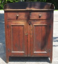 century Pennsylvania jelly cupboard~♥~ note to self, love top for stove cover Primitive Cabinets, Primitive Furniture, Primitive Antiques, Country Furniture, Antique Furniture, Painted Furniture, Modern Furniture, Furniture Design, Nice Furniture
