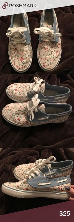 Slip on floral sneakers White and blue floral sneaker! Only worn once they are just a little small for me. I wish they fit me cause they are super cute. It is not US sizing (guessing it's Europe but not sure) it says 36. I would say these fit a size 5 in US. Shoes Sneakers
