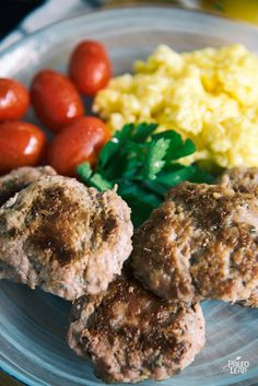 A breakfast classic – pork sausages served with your choice of veggies, eggs or Paleo gravy. Expecting a busy day? Prepare them the night . Homemade Breakfast Sausage, Paleo Breakfast, Breakfast Recipes, Pork Sausage Recipes, Paleo Recipes, Chicken Recipes, Paleo Food, Paleo Diet, Ketogenic Diet