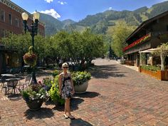 Having fun exploring amazing Aspen, Colorado! I can't believe how many black bears roam around the town here.(if only I could get a picture of one! Absolutely love it! Colorful Animals, Colorful Paintings, Wildlife Art, Black Bear, Park City, Art World, Wyoming, Live Life, Fine Art Prints
