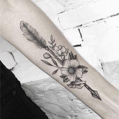 28 Arrow Tattoo Ideas - Chicbetter inspiration for modern women - 28 Arrow T . - 28 Arrow Tattoo Ideas – Chicbetter inspiration for modern women – 28 Arrow Tattoo Ideas – bet - Dreieckiges Tattoos, Boho Tattoos, Dainty Tattoos, 1 Tattoo, Cover Tattoo, Back Tattoo, Body Art Tattoos, Sleeve Tattoos, Ankle Tattoos