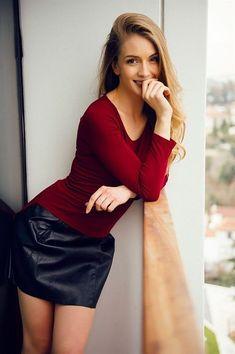 Yasemin Allen: Terkedildim ve aldatıldım! Turkish Beauty, Beautiful Girl Image, I Love Girls, Young Models, Petite Women, Glamour, Sexy Hot Girls, Woman Crush, Hottest Models