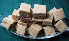 The easiest, most delicious peanutbutter fudge without the trouble. It's the one recipe everyone wants! Peanut Butter Fudge, Creamy Peanut Butter, Fudge Recipes, Candy Recipes, Microwave Fudge, No Bake Desserts, Food Items, Meals For One, Food To Make