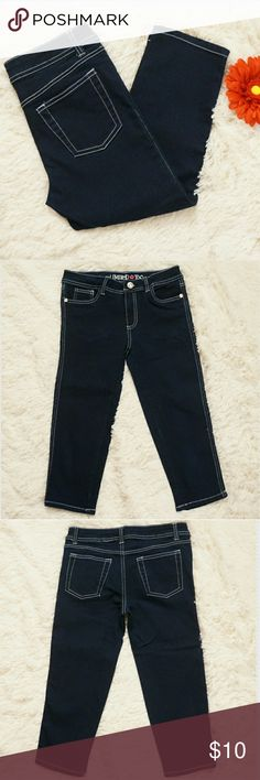 Girls Limited Too Stretch Denim Capri Jean Really cute capri jeans for girls. The jeans were very gently used, only worn once or twice.  Excellent condition. Limited Too Bottoms Jeans