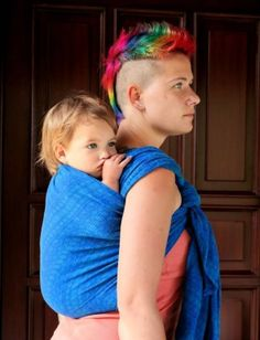 Tutorial: Double Rebozo with a pre-tied chestbelt - Wrap you in love, with a DIDYMOS Prima ultramarine Baby Carrying Wrap, Baby Sling Wrap, Baby Wearing Wrap, Baby Wrap Carrier, Baby Slings, Natural Parenting, Kids And Parenting, Parenting Tips, Moby Wrap Holds