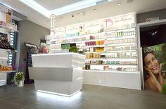 Ph Design si occupa di arredamenti e ristrutturazione di farmacie, parafarmacie e centri estetici. Trasforma la tua farmacia in uno spazio benessere. La Salette, Pharmacy Design, Advertising, Interior Design, Architecture, Rome, Home Decor, Shelves, Pharmacy