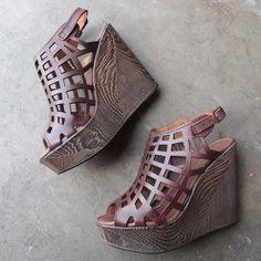 very volatile - dixon wooden heel wedge - shophearts - 1