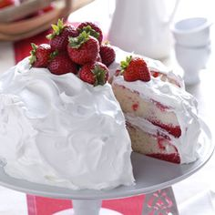 Strawberry Poke Cake - That classic spring treat - strawberry shortcake - takes on a wonderful new twist with this recipe. Strawberry gelatin and strawberries liven up each pretty slice of this lovely layered cake that's made from a convenient boxed mix. Strawberry Poke Cakes, Strawberry Recipes, Strawberry Shortcake, Strawberry Jello, Strawberry Tiramisu, Strawberry Delight, Just Desserts, Delicious Desserts, Yummy Food
