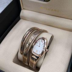 1ffb331b25d Relógio Bvlgari Serpenti Tubogaz - Dourado - Mostrador Claro - Réplica  Premium AAA