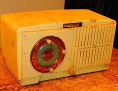 17 GE radio alarm clock model 506 by VINTAGERADIOSONLINE on Etsy