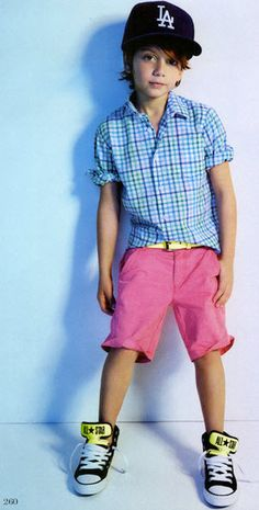 Great colors! Wish I had a little boy to dress like this............