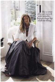 Jenna Lyons: Black taffeta ball skirt with unexpected tailored white shirt. Looks Style, Style Me, Trajes Business Casual, Black And White Outfit, Black Maxi, Black Tie, Jenna Lyons, Look Fashion, Womens Fashion