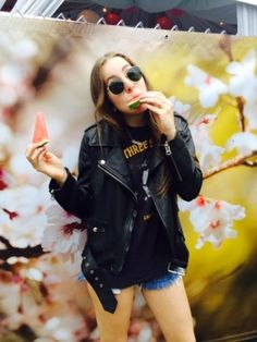 Go Backstage With Haim in an Exclusive Tour Diary – Vogue