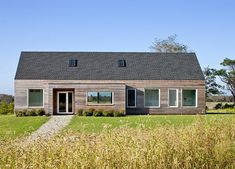 the Passive House standard, by ZeroEnergy Design: an extremely low-energy home THAT I WANT.