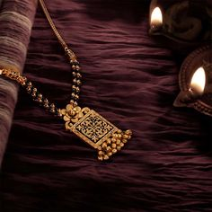 Gold jewelry Outfits All Black - - - Gold jewelry Necklace Chains Diamond Mangalsutra, Gold Mangalsutra Designs, Gold Earrings Designs, Antique Jewellery Designs, Gold Jewellery Design, Indian Gold Jewellery, Gold Temple Jewellery, Handmade Jewellery, Pendant Jewelry