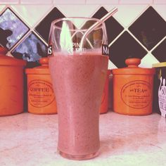 A pink but #greensmoothie recipe and it's a firm favourite:  Recipe (serves 2) 1-2 cups almond milk (unsweetened) 1 cup strawberries 1 cup blueberries 2 handfuls spinach 1 frozen banana