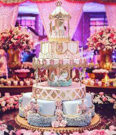 Gorgeous Cakes, Pretty Cakes, Amazing Cakes, Carousel Birthday Parties, Birthday Cake Girls, Extreme Cakes, Carousel Cake, Carousel Party, Huge Cake