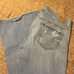 American Eagle size 6 Very destroyed look but NOT destroyed. Very comfortable jeans also stretch. AE HIPSTER size 6 American Eagle Outfitters Jeans Flare & Wide Leg
