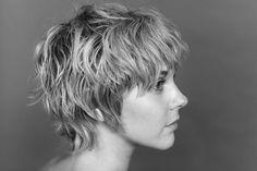 Short, texturized hair.