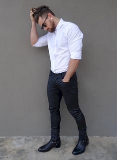 Royal Fashionsit is the best Men's Fashion Guide. Here you will find the latest trends on men's style. Get inspired with these outfits and leave your comment below. Justin Bieber Moda, Style Masculin, Mein Style, Herren Outfit, Hommes Sexy, Men Formal, Jean Shirts, Denim Shirts, Shirts For Men