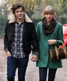 Taylor Swift and Harry Styles Secretly Dodged Death in a Snowmobile Accident? | Cambio what?????