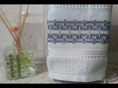 O ponto vagonite é ideal para os iniciantes no bordado, pois é um dos mais fáceis de fazer. Confira algumas dicas e tutoriais para aprender essa técnica. Swedish Weaving, Quilt Tutorials, Towel, Quilts, Shows, Facebook, Free, Embroidered Towels, Tape Art