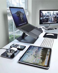 Computer Desk Setup, Gaming Room Setup, Pc Setup, Home Office Setup, Home Office Design, Office Ideas, Office Decor, Schul Survival Kits, Game Room Design