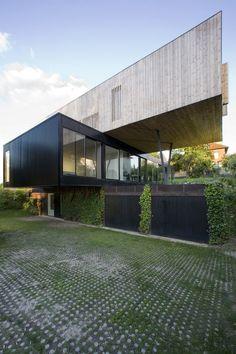 R House, Sèvres, 2009 - Colboc Franzen & associés