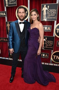 SAG Awards 2015 - Matthew McConaughey y Camila Alves in Donna Karan Atelier