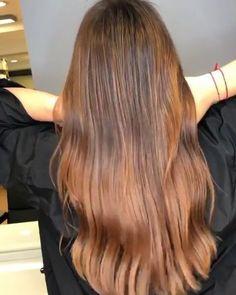 Our guest artist is a pro love the natural shades. Hair Color Purple, Brown Hair Colors, Brown Blonde Hair, Brunette Hair, Beleyage Hair, Medium Hair Styles, Long Hair Styles, Hair Painting, Hair Transformation
