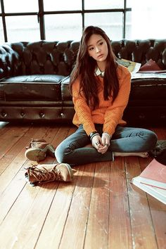 Where do I find that orange sweater? It's so adorable~