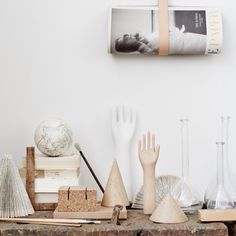 The sun is shining ☀️ Styling by me photo @fotografsaralandstedt #johannapilfalk #interiorstylist #saralandstedt #stillife #hay #wood #strap #matildaclahr #glass