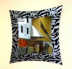 Χειροποίητη δημιουργία μου σε γυαλί-υπάρχει δυνατότητα διαφοροποιήσεων. Frame, Handmade, Home Decor, Picture Frame, Hand Made, Decoration Home, Room Decor, Frames, Home Interior Design
