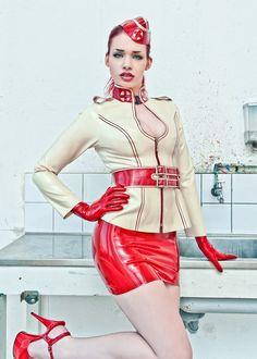 Model:Jasmine SuzannaPhoto: CoJac PhotographyLatex: HW Design
