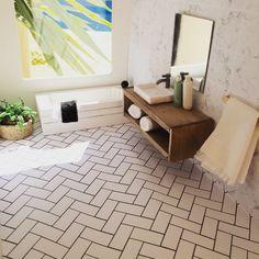 DIY dollhouse furniture, modern miniatures, miniature bathroom Follow me on Instagram @onebrownbear