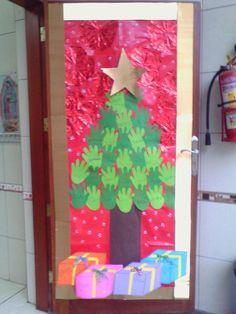 decoré asi la puerta del salón de mi niña en su colegio-2015