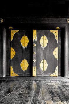 Entrance door to the main hall of Nishi Hongan-ji temple, Kyoto, Japan