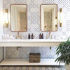 Funky little bathroom by @miss_moss 〰