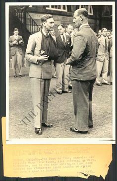 BS Photo Age 616 King George VI of England 1934 Duke of York with hand in sling