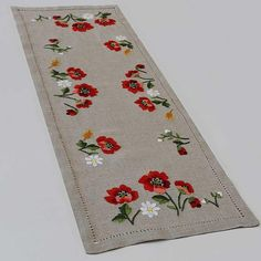 Poppies Center | Embroideries and Pizzi