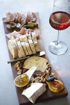 Red wine and Antipasti