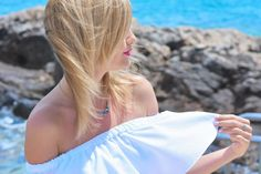 style, look, Malta, holiday, wakacje, blonde, women, blue, white, jewellery