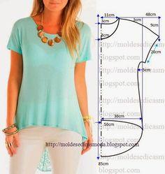 PASSO A PASSO MOLDE DE BLUSA Corte um retângulo de tecido com a altura e largura que pretende para as costas e frentes. Dobre a meio o retângulo. Desenhe o