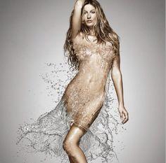 Gisele Bündchen celebra o Dia da Água com clique sexy nas redes