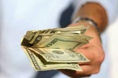 Veamos esta sencilla oración para ganar dinero y empezar a llenar esos bolsillos. Muchas personas se quejan por no tener un trabajo y no ganar lo suficient