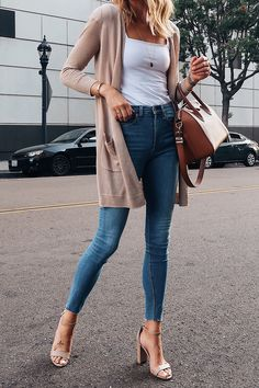Women Jeans Outfit White Trousers Outfit Dressy Casual Outfits For Ladies Pink Swimsuits Og 107 Pants Casual Evening Dress Jeans And Heels Outfit – orchidrlily Dressy Casual Outfits, Business Casual Outfits, Classy Outfits, Trendy Outfits, Trouser Outfits, Body Suit Outfits, Cardigan Outfits, Long Cardigan Outfit Summer, White Cardigan Outfit
