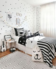 Girl Room Decor Ideas - How can I make my room pretty? Girl Room Decor Ideas - How can a teenage girl decorate a small bedroom? Bedroom Loft, Home Decor Bedroom, Girls Bedroom, Bedrooms, Bohemian Bedroom Design, Girl Bedroom Designs, Teenage Room, Dream Home Design, Small Living Rooms