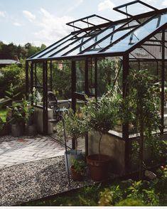 """447 gilla-markeringar, 31 kommentarer - Pernilla Jansson (@pernillasinterior) på Instagram: """"Hittade på alla gamla bilder från växthuset förra året. Vi slet från maj och till augusti med…"""""""