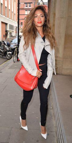 Nicole Scherzinger Fabulous Street Style : Black Skinny Pants + Top + Beige Jacket + White Pointed Heels + Red CrossBag