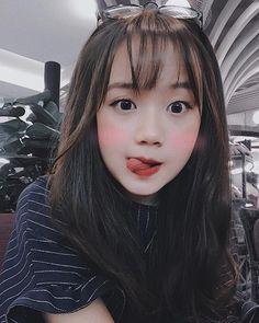 Ulzzang Korean Girl, Cute Korean Girl, Cute Asian Girls, Beautiful Asian Girls, Cute Girls, Cute Girl Poses, Cute Girl Pic, Girl Photo Poses, Girl Photos